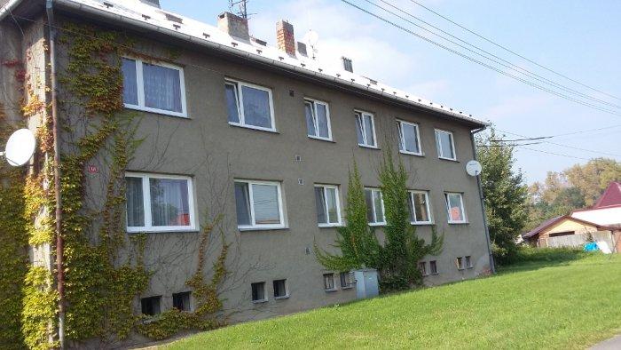 Bytový dům 2 - dodávka a montáž plastových oken