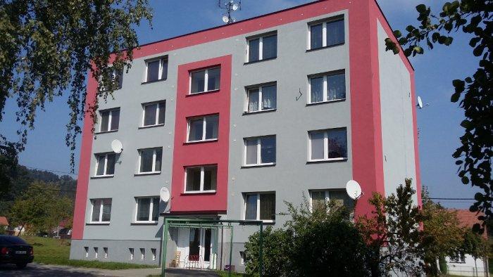 Panelový dům - dodávka a montáž plastových oken