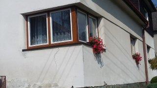 Rodinný dům 1 - dodávka a montáž plastových oken