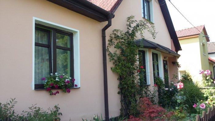 Rodinný dům 5 - dodávka a montáž plastových oken