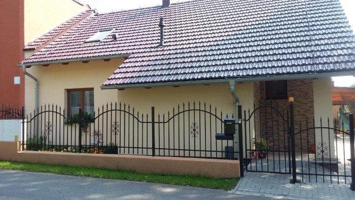 Rodinný dům 6 - dodávka a montáž plastových oken
